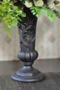 シックな黒い花器